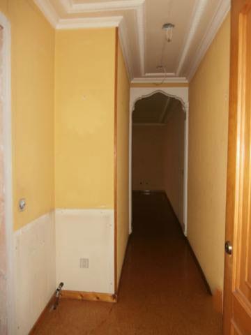 Piso en venta en Piso en los Corrales de Buelna, Cantabria, 69.500 €, 2 habitaciones, 1 baño, 70 m2