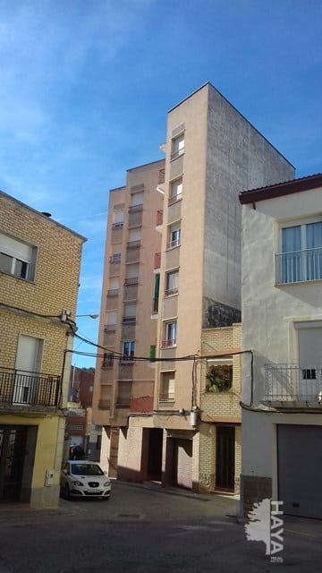 Piso en venta en Albatàrrec, Albatàrrec, Lleida, Plaza Ramon Felip, 37.000 €, 3 habitaciones, 1 baño, 94 m2