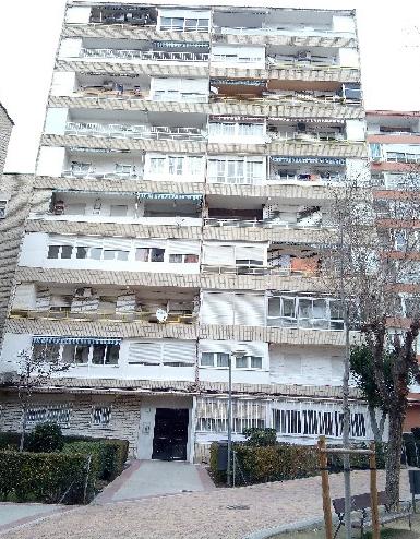 Piso en venta en Piso en Fuenlabrada, Madrid, 140.000 €, 3 habitaciones, 1 baño, 95 m2