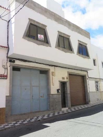 Casa en venta en Cruce de Arinaga, Agüimes, Las Palmas, Calle Guanarteme, 312.000 €, 8 habitaciones, 1 baño, 495 m2
