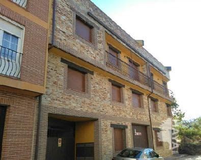 Piso en venta en Arenas de San Pedro, Ávila, Calle Roble, 74.000 €, 3 habitaciones, 2 baños, 96 m2