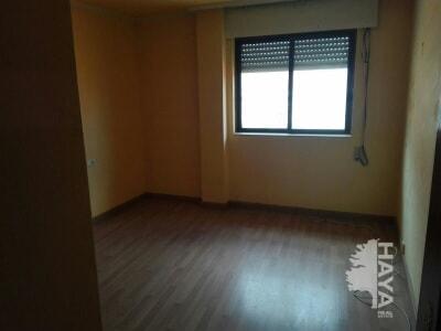 Piso en venta en Piso en San Andrés del Rabanedo, León, 52.000 €, 3 habitaciones, 2 baños, 130 m2