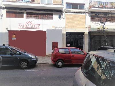 Local en venta en Local en Córdoba, Córdoba, 165.000 €, 588 m2