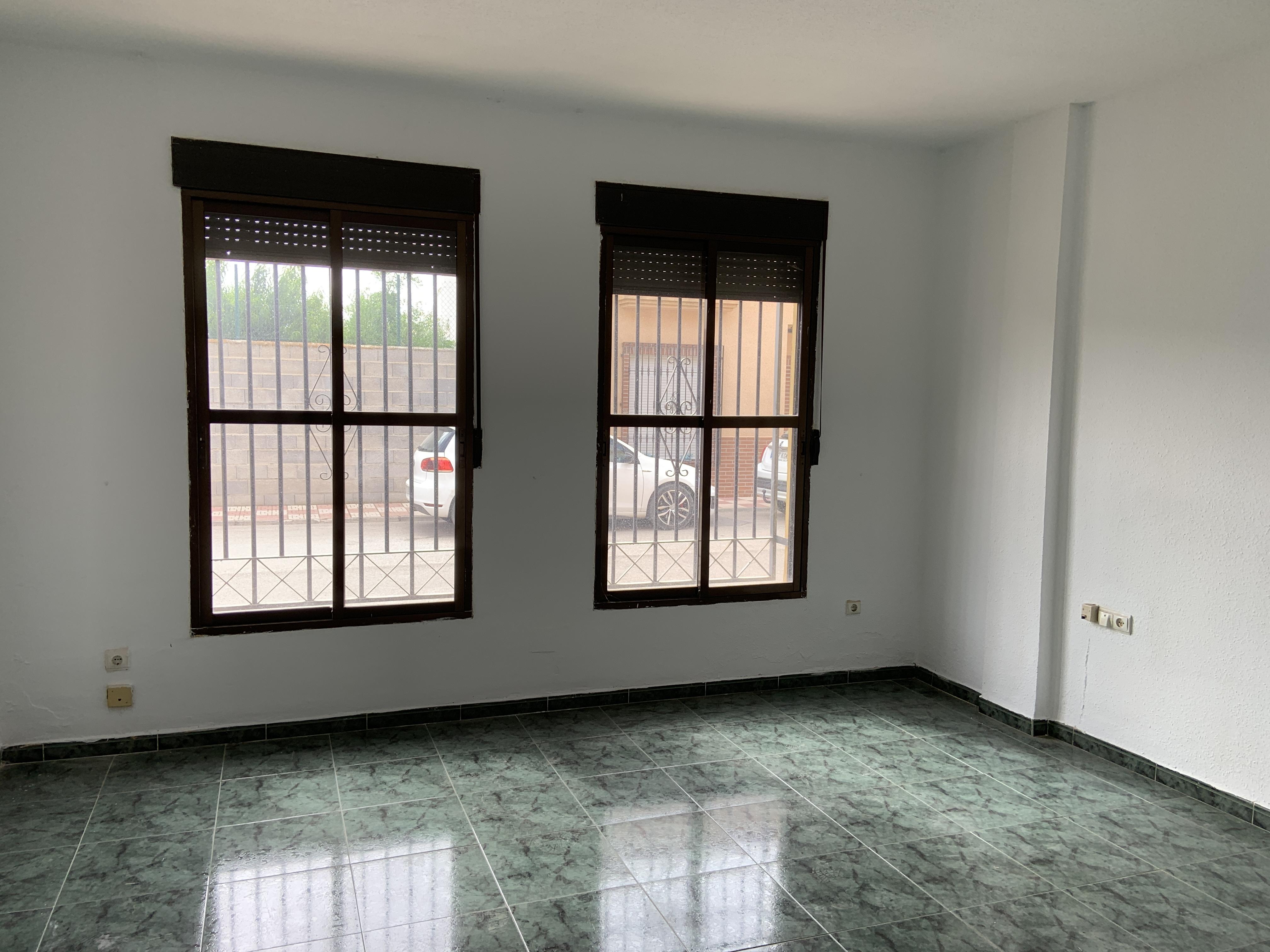 Piso en venta en Valderrubio, Pinos Puente, Granada, Calle S/n, 76.000 €, 3 habitaciones, 2 baños, 117 m2