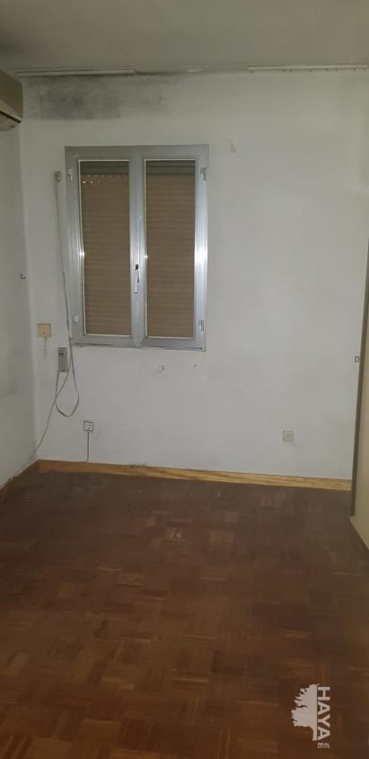 Piso en venta en Piso en Madrid, Madrid, 110.000 €, 3 habitaciones, 1 baño, 60 m2