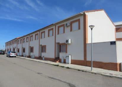 Piso en venta en Pozuelo de Calatrava, Pozuelo de Calatrava, Ciudad Real, Calle Clavel, 50.000 €, 3 habitaciones, 1 baño, 95 m2