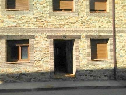 Piso en venta en Piso en Arenas de San Pedro, Ávila, 74.000 €, 2 habitaciones, 2 baños, 93 m2, Garaje