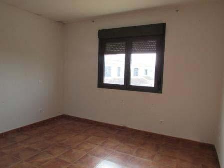 Casa en venta en Casa en Lucillos, Toledo, 90.360 €, 4 habitaciones, 3 baños, 154 m2