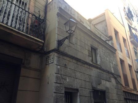 Piso en venta en Ciutat Vella, Barcelona, Barcelona, Calle de la Cendra, 114.900 €, 3 habitaciones, 1 baño, 60 m2