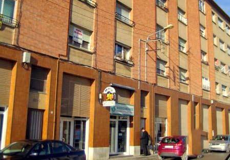 Piso en venta en Calaf, Barcelona, Calle Isidre Vilaró, 30.600 €, 2 habitaciones, 2 baños, 61 m2