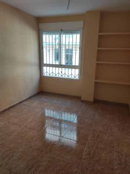 Piso en venta en Andújar, Jaén, Calle Alhamar, 120.500 €, 4 habitaciones, 2 baños, 145 m2
