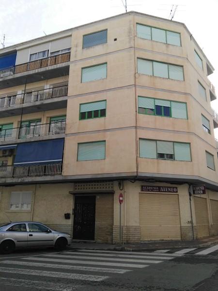 Piso en venta en El Campello, Alicante, Calle Vicario Samuel Riquelme, 77.000 €, 3 habitaciones, 96 m2