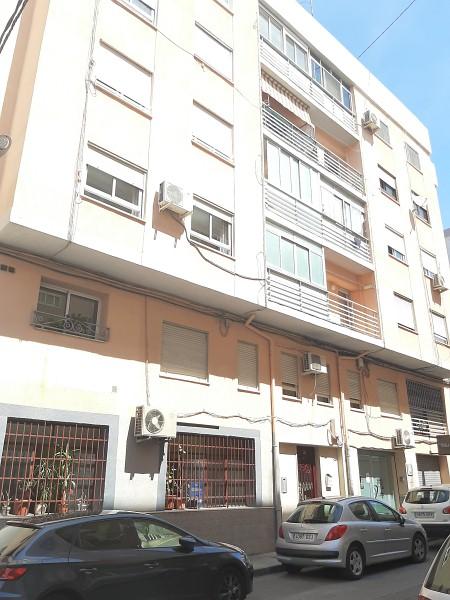 Piso en venta en Elda, Alicante, Calle Doctor Rodriguez Fornos, 53.000 €, 3 habitaciones, 1 baño, 91 m2