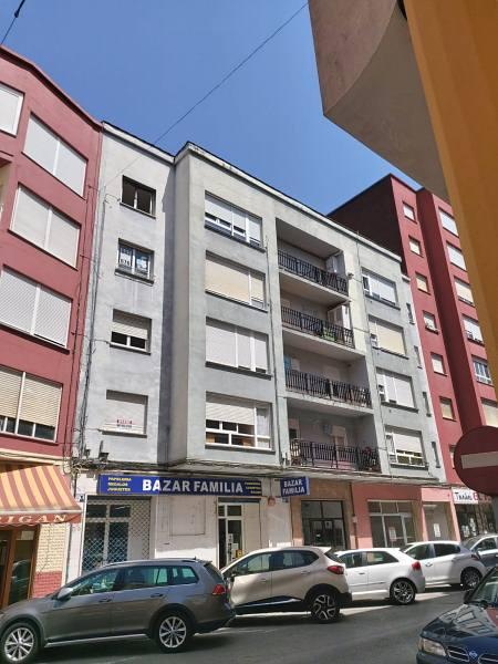 Piso en venta en Urbanización la Anjanas, los Corrales de Buelna, Cantabria, Calle Hernán Cortés, 42.000 €, 3 habitaciones, 1 baño, 69 m2