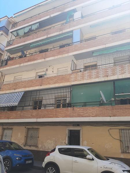 Piso en venta en Los Ángeles, Alicante/alacant, Alicante, Calle Señorita de Trevelez, 44.000 €, 3 habitaciones, 1 baño, 82 m2
