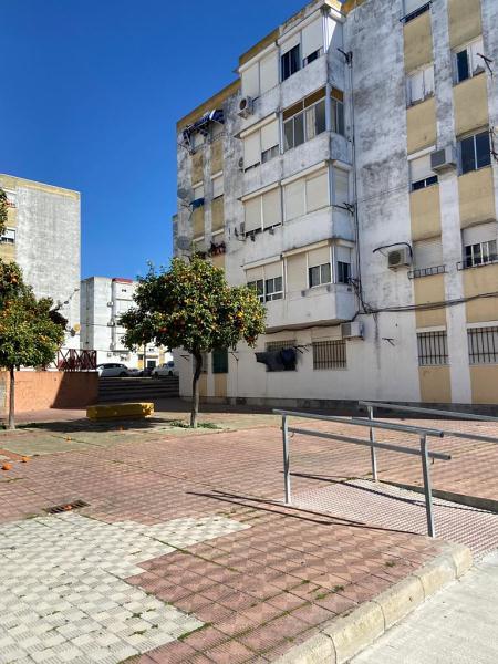 Piso en venta en Los Albarizones, Jerez de la Frontera, Cádiz, Calle Tenora, 43.700 €, 3 habitaciones, 1 baño, 74 m2