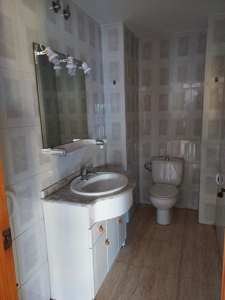 Piso en venta en Piso en Gandia, Valencia, 75.000 €, 3 habitaciones, 2 baños, 95 m2