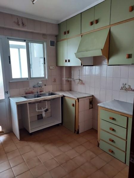 Piso en venta en Piso en Mislata, Valencia, 66.000 €, 3 habitaciones, 1 baño, 91 m2