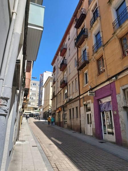Piso en venta en Marqués de Valdecilla, Santander, Cantabria, Calle , 137.000 €, 3 habitaciones, 1 baño, 107 m2