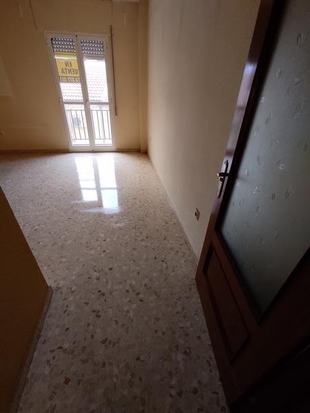 Piso en venta en Lucena, Córdoba, Calle Corralas, 80.300 €, 3 habitaciones, 2 baños, 99 m2