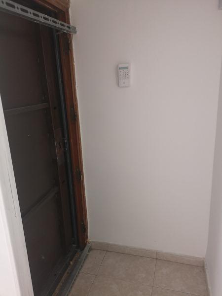 Piso en venta en Villaverde, Madrid, Madrid, Calle Godella, 83.000 €, 3 habitaciones, 1 baño, 67 m2