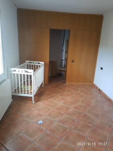 Piso en venta en Sant Miquel de Gonteres, Viladecavalls, Barcelona, Urbanización la Vinya, 202.000 €, 2 habitaciones, 2 baños, 150 m2