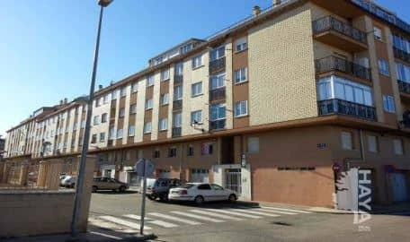 Piso en venta en Tagarabuena, Toro, Zamora, Calle de la Constitución, 57.000 €, 3 habitaciones, 1 baño, 76 m2