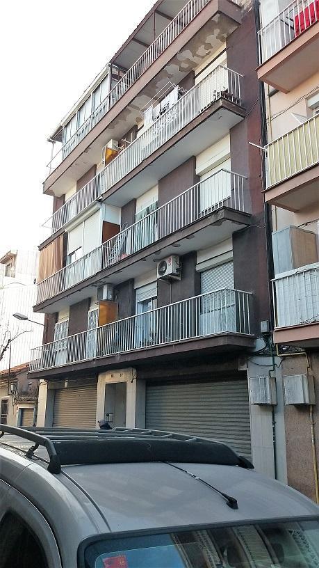 Piso en venta en La Llagosta, Barcelona, Calle de Sant Pau, 106.000 €, 3 habitaciones, 1 baño, 68 m2