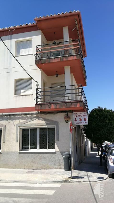 Piso en venta en Baena, Córdoba, Calle Capitan Montes Roldan, 82.000 €, 3 habitaciones, 1 baño, 119 m2
