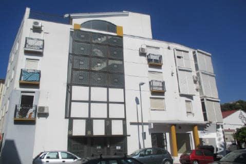Piso en venta en Ubrique, Ubrique, Cádiz, Calle Alhambra, 78.400 €, 3 habitaciones, 1 baño, 84 m2