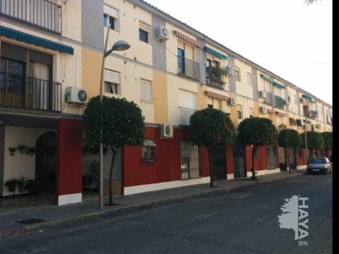 Piso en venta en Baena, Córdoba, Calle Haza del Reloj, 64.600 €, 3 habitaciones, 2 baños, 99 m2