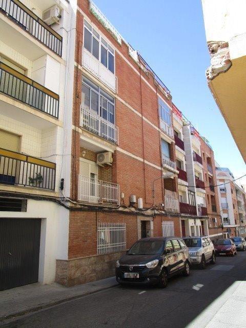 Piso en venta en Puertollano, Ciudad Real, Calle Menenz Pelayo, 30.600 €, 3 habitaciones, 1 baño, 104 m2