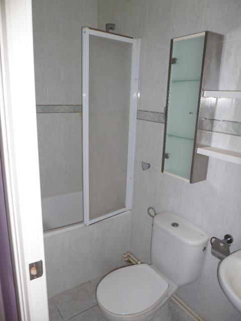 Piso en venta en Piso en Ulldecona, Tarragona, 48.000 €, 3 habitaciones, 1 baño, 80 m2