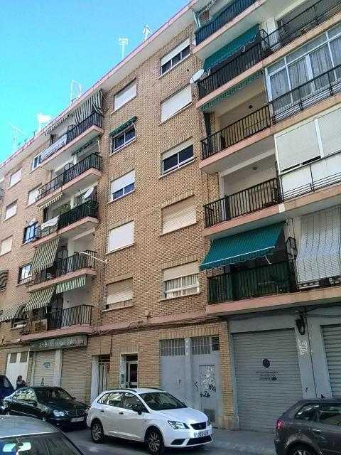 Piso en venta en Gandia, Valencia, Calle Pintor Sorolla, 42.000 €, 4 habitaciones, 1 baño, 110 m2