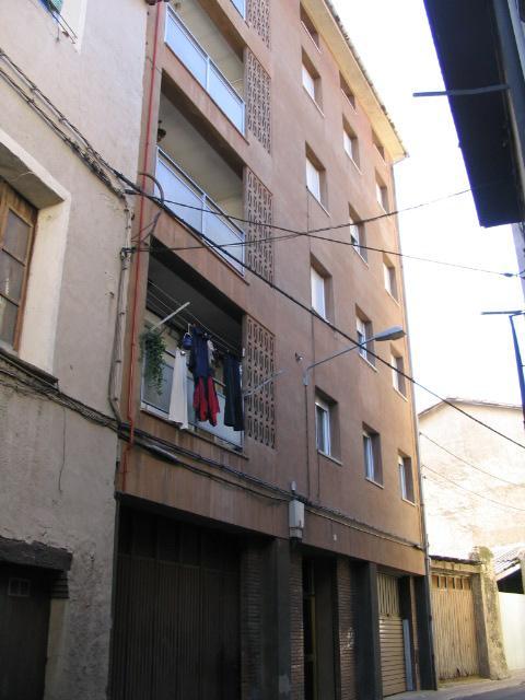 Piso en venta en Can Moca, Olot, Girona, Calle Sant Bernat, 149.722 €, 5 habitaciones, 1 baño, 138 m2
