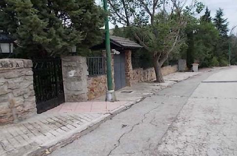 Casa en venta en Estación de El Espinar, El Espinar, Segovia, Avenida Francia, 275.000 €, 7 habitaciones, 3 baños, 354 m2