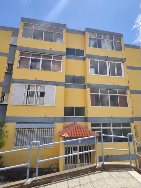 Piso en venta en El Cardonal, San Cristobal de la Laguna, Santa Cruz de Tenerife, Calle Obispo Luis Franco Gascón, 67.400 €, 2 habitaciones, 1 baño, 94 m2