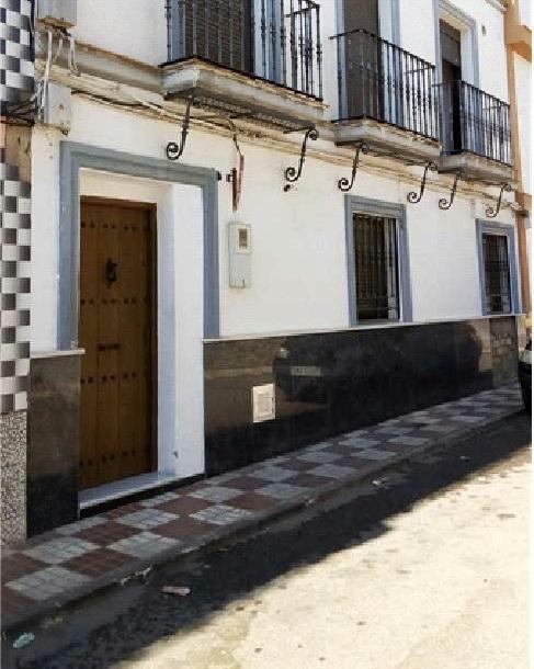 Casa en venta en Casa en Alcalá del Río, Sevilla, 90.900 €, 2 habitaciones, 1 baño, 126 m2