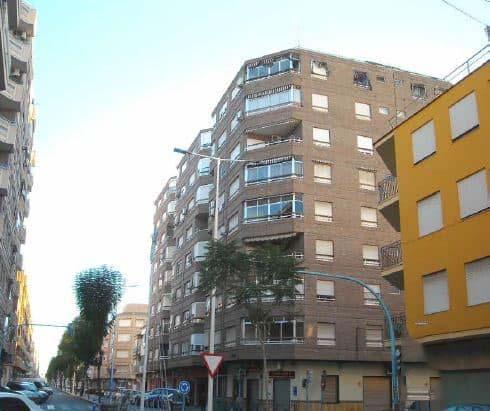 Piso en venta en Novelda, Alicante, Avenida de la Constitución, 75.700 €, 3 habitaciones, 1 baño, 115 m2
