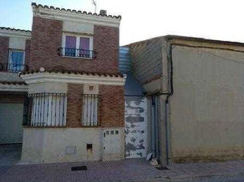 Casa en venta en Pedro Muñoz, Ciudad Real, Calle Valle Inclan, 67.300 €, 4 habitaciones, 3 baños, 143 m2