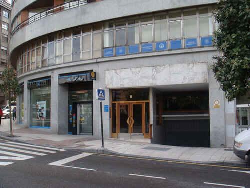 Local en venta en Oviedo, Asturias, Calle Pedro Masaveu, 220.000 €, 275 m2