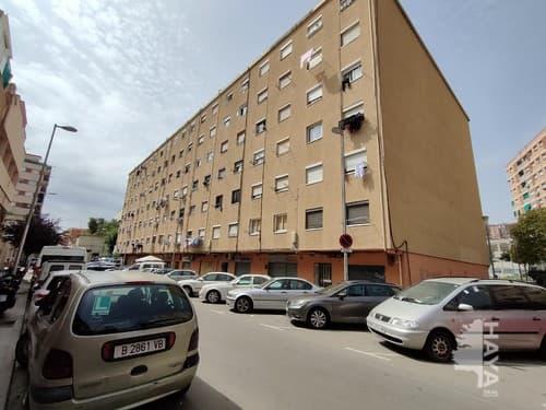 Piso en venta en Badalona, Barcelona, Calle Sagrada Familiao, 80.000 €, 3 habitaciones, 1 baño, 46 m2