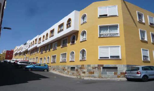 Piso en venta en Piso en Santa Cruz de Tenerife, Santa Cruz de Tenerife, 95.500 €, 3 habitaciones, 2 baños, 92 m2, Garaje