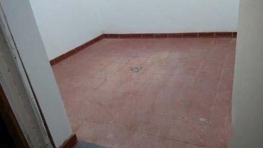 Piso en venta en Piso en Arrecife, Las Palmas, 106.000 €, 2 habitaciones, 2 baños, 87 m2