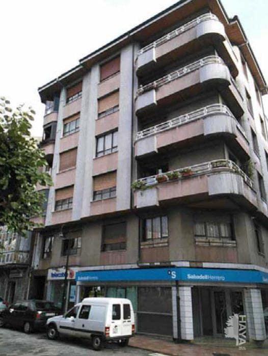 Piso en venta en Lena, Asturias, Plaza Alfonso X El Sabio, 65.100 €, 3 habitaciones, 1 baño, 101 m2