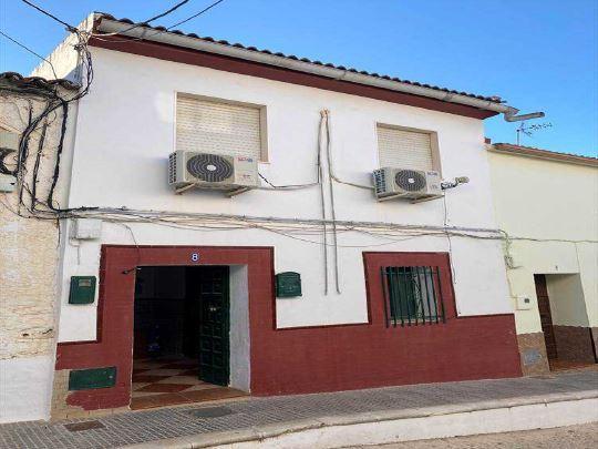 Piso en venta en Piso en Santa Bárbara de Casa, Huelva, 59.800 €, 4 habitaciones, 2 baños, 170 m2