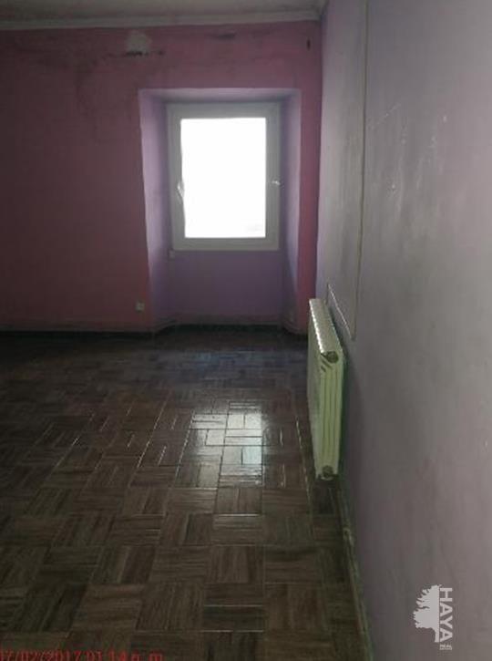 Piso en venta en Cal Rota, Berga, Barcelona, Calle Ciutat, 57.900 €, 5 habitaciones, 2 baños, 133 m2