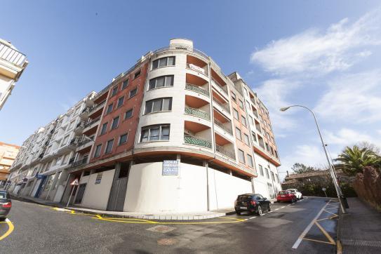 Local en venta en Sanxenxo, Pontevedra, Calle Alexandre Boveda, 191.000 €, 498 m2