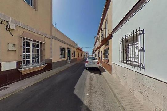 Casa en venta en Chiclana de la Frontera, Cádiz, Calle Naranja, 95.000 €, 4 habitaciones, 1 baño, 140 m2