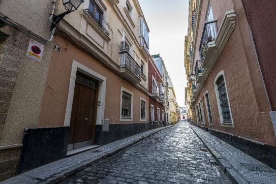 Piso en venta en Cádiz, Cádiz, Cádiz, Calle Navas, 155.693 €, 1 baño, 83 m2